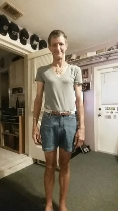 Shorts and grey top Grey Top, My Outfit, Bermuda Shorts, Denim Shorts, Cute Outfits, How To Wear, Shopping, Tops, Women