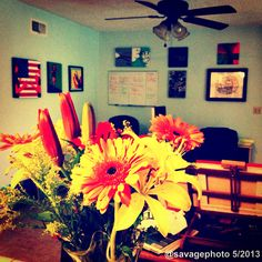 Workspace - Visual artist - art - flowers - office - paintings - pop art