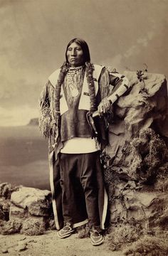 Free archive of historic Native American Indian Tribes Photographs, Pictures and Images. Photographs promote the Native American Tribes culture Native American Images, Native American Beauty, American Indian Art, Native American Tribes, Native American History, American Pride, Native Americans, Sioux, Navajo