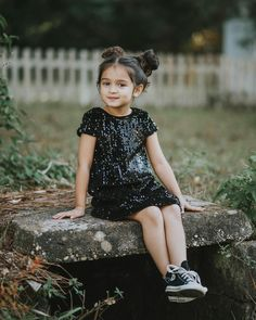 Now you are one of them to search girl dp Cute Little Baby Girl, Cute Baby Girl Pictures, Cute Girl Pic, Baby Girls, Cute Kids Fashion, Baby Girl Fashion, Cute Baby Girl Wallpaper, Cute Babies Photography, Little Girl Photography