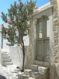 Greece Travel Inspiration - GREECE CHANNEL | #Paros, #Parikia www.greece-channe...