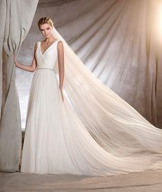ODONA - Brautkleid mit ausgestelltem Rock und V-Ausschnitt