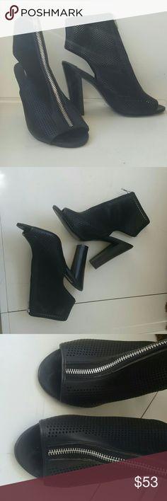 Steve Madden Heels 4.75 heel Sz 8M Steve Madden Shoes