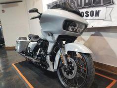 2020 Harley-Davidson® FLTRXSE - CVO™ Road Glide® | Baton Rouge Harley-Davidson® #harleydavidsonroadglidecvo #harleydavidsonroadglide2018 #harleydavidsonroadglideblack #harleydavidsonroadglidespecial Custom Choppers, Custom Motorcycles, Custom Baggers, Harley Davidson Road Glide, Harley Davidson Bikes, Cvo Road Glide, Road Glide Special, West Coast Choppers, Big Show