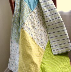 on the list!! // Tutorial: The 3-2-1 Throw, A Quick & Easy LittleQuilt - A Sewing Journal - A Sewing Journal
