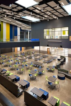 Manor New Tech Middle School in Manor, Texas Cafeteria Classroom Architecture, Education Architecture, School Architecture, School Building Design, School Design, Le Rosey, Cafeteria Design, Spaceship Interior, Built In Seating