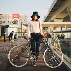 """""""Friday stylings - our Moss Green Classic Sport as seen by @bikethemoment_store  #tokyobike #tokyobike_nyc"""""""