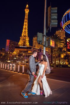 "Nikes with ""i do"" and the wedding date on the back! I want wedding pics like this! Elvis Wedding Vegas, The Wedding Date, Wedding Pics, Wedding Engagement, Las Vegas Wedding Photographers, Las Vegas Weddings, Destination Weddings, Vegas Style, Las Vegas Strip"