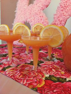 Grapefruit mimosas in mini #champagne coupes/saucers at the #babyshower!  lauraolsenevents.com