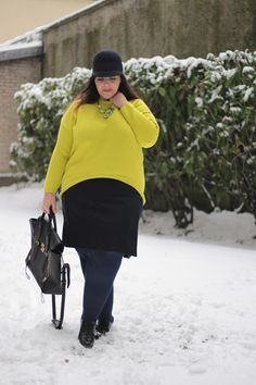 Le blog de big beauty: Stéphanie Zwicky  Neon sweater