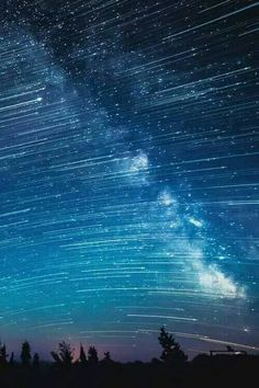 Milky Way and star trails over Mt. I love watching the sky, the moon, stars. Beautiful Sky, Beautiful World, Beautiful Places, Beautiful Pictures, Cosmos, All Nature, Science And Nature, Amazing Nature, Ciel Nocturne
