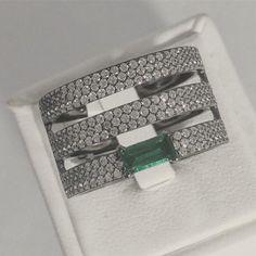 Bague en argent avec cubique zirconium et pierre de mai Zirconium, Mai, Money Clip, Tie Clip, Wallet, Accessories, Boutique Online Shopping, Stone, Purses