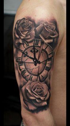23 ideas tattoo hombre brazo brujula for 2019 Half Sleeve Tattoos Compass, Tattoos For Women Half Sleeve, Arm Tattoos For Guys, Upper Shoulder Tattoo, Mens Shoulder Tattoo, Forarm Tattoos, Bicep Tattoo, Feather Tattoos, Rose Tattoos