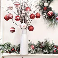Lassen Sie Ihren Christbaum in neuem Glanz erstrahlen Christmas Colour Schemes, Christmas Colors, Christmas Tree Decorations, Christmas Holidays, Beautiful Christmas Trees, Christen, Home Look, Sparkle, Christmas Decorations
