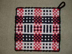 Potholder Loom, Potholders, Weaving For Kids, Peg Loom, Weaving Patterns, Pink Black, Thrifting, Arts And Crafts, Create