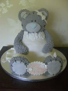 http://littlecherrycakecompany.com/wp-content/uploads/2012/04/Large-Tatty-Teddy-Cake.jpg