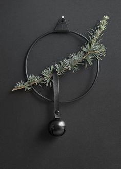 Strups_ring-kranz-schwarz-glocke-wunderschoen-gemacht
