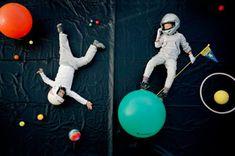 Jan von Holleben - dreams of flying - Astronauten - photography // portrait - Raum Space Party, Space Theme, Atelier Photo, Space Photos, Creative Kids, Creative Photos, Creative Photography, Flying Photography, Children Photography