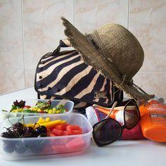 ¡Nos vamos a la playa! Consejos para disfrutar de un saludable día de playa. Happy healthy summer! #Snailbag #lunchbag #playa #verano #tuppertime #summertime http://www.snailbag.es/Snailworld/blog/consejos-disfrutar-saludable-dia-playa-snailbag-tuppertime/