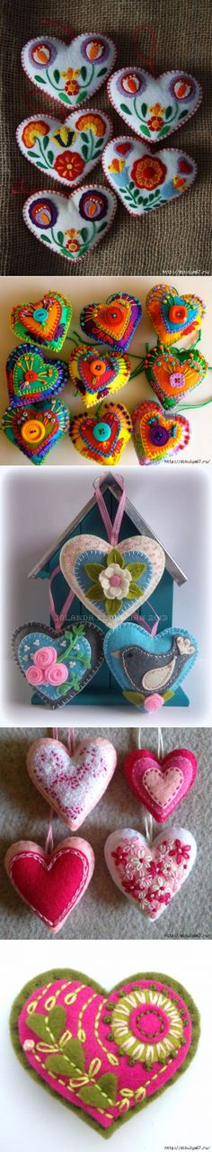 Love the bright colour and folky design here. Felt Christmas Decorations, Felt Christmas Ornaments, Felt Embroidery, Felt Applique, Fabric Crafts, Sewing Crafts, Felt Patterns, Felt Fabric, Felt Hearts