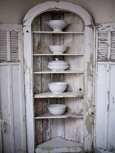 white life ©: (Old) white dishes is much too beautiful for 'only' collecting ... I love the daily use!
