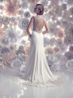 #gown #couturedesign #fashion #couturegowns #bridalstyle #couturefashion #fallwinter #fashiongram #couture #designer #wedding #designers #dress #bridal #couturegown #weddingdress #fallwinter2016 #bridalgowns #eliesaab #bridaldresses #fashionmagazine #bridalgown #bridaldress #gowns #couturedress #2016 Tradičné+svadobné+šaty+Amaré+Couture