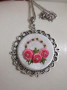 Butterfly Embroidery, Embroidery Art, Embroidery Patterns, Beading Patterns, Needlework, Diy And Crafts, Jewelery, Stitch, Beads