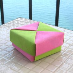 origami modular square box in pink and apple green