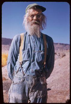 tenuedenimes:  Granddad dressed in denim!