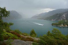 Lysefjorden, Forsand, Rogaland, sett fra Høllesli. Lokaliteten kan være aktuell som utsiktspunkt.    Foto: Helge Stikbakke