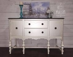 Antique White Milk Paint by General Finishes which we then topped with Champagne Pearl Effects! The top is stained in Java Gel Stain. Metallic Painted Furniture, Paint Furniture, Furniture Making, Furniture Makeover, Furniture Design, Staging Furniture, Upscale Furniture, Urban Furniture, Upholstered Furniture