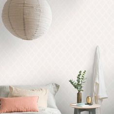 Buy your Anna wallpaper from Boråstapeter at Nordic Nest. Accent Wallpaper, Wallpaper Ceiling, Kitchen Wallpaper, White Wallpaper, Cute Living Room, Accent Walls In Living Room, Accent Wall Bedroom, Bedroom Decor, Wallpaper Design For Bedroom