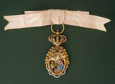 Order of Saint Isabel (Portugal) - Badge belonged to Empress Amélie (Amalia) of Brazil, by descent to her sister, Queen Josefina of Sweden (Swedish Royal Collections)