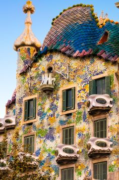 Casa Batlló is a renowned building located in the heart of Barcelona and is one of Antoni Gaudí's masterpieces. Casa Batlló is a remodel of a previously built house. It was redesigned in 1904 by Gaudí and has been refurbished several times after that. Casa Batlló evokes the creativity and playfulness of Gaudí's work through the incrassate facades and creative floors.