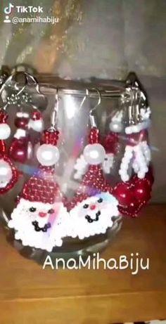 Christmas Bulbs, Facebook, Holiday Decor, Home Decor, Decoration Home, Christmas Light Bulbs, Room Decor, Home Interior Design, Home Decoration