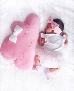 Image discovered by Find images and videos about cute, lovely and baby on We Heart It - the app to get lost in what you love. So Cute Baby, Cute Baby Clothes, Cute Babies, Baby Girl Newborn, Baby Boy, Baby Girl Pictures, Foto Baby, Newborn Baby Photography, Baby Family