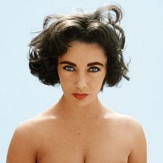 Elizabeth Taylor defined modern celebrity and is considered the last classic Hollywood icon. Elizabeth Taylor Trust and Elizabeth Taylor Estate. Hollywood Glamour, Classic Hollywood, Old Hollywood, Hollywood Actresses, Hollywood Cinema, Hollywood Stars, Divas, Pretty People, Beautiful People
