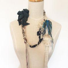 """""""シルクのラリエット。  #さをり #さをり織り #SAORI #手織り #Weaving #fashion #saoriweaving #handwoven #woven #accessory"""""""