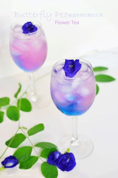 Violet's Kitchen ~Butterfly Pea Flowers make beautifully colored drinks Party Drinks, Fun Drinks, Yummy Drinks, Cocktails, Alcoholic Drinks, Colorful Drinks, Beverages, Alcohol Recipes, Tea Recipes