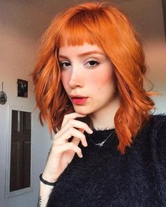 Colourful-Layered-Hair-with-Bangs Chic Short Haircuts with Bangs Layered Hair With Bangs, Short Haircuts With Bangs, Short Bangs, Short Hair With Bangs, Short Hair Cuts, Short Copper Hair, Ginger Hair Dyed, Dyed Hair, Red Blonde Hair