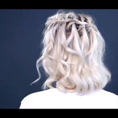 Quick and Easy Hair Tutorials For more video tutorial about hair styles just visit our cutie pie web site! Ombré Short Hair, Braids For Short Hair, Trending Hairstyles, Messy Hairstyles, Hairstyles Videos, Natural Hair Updo, Natural Hair Styles, Corte Y Color, Hair Videos