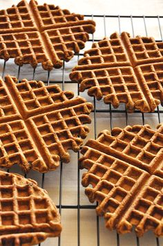 Vegan Gingerbread Waffles: serves 4      1.25 cup whole wheat pastry flour*      1/2 Tbsp baking powder      1/4 cup + 1 Tbsp brown sugar      1 tsp cinnamon      1 tsp ginger      1/4 cup pumpkin puree      1 egg       scant 1 cup unsweetened almond milk      2 Tbsp molasses      1 Tbsp canola oil