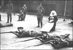 """Maria Botchkareva and Women's Battlaion of Death. American, Bessie Beatty, went to see the women on the Eastern Front: She wrote: """"Women can fight. Women have the courage, the endurance and even the strength for fighting. The Russians have demonstrated that and, if necessary, all the other women in the world can demonstrate it."""""""