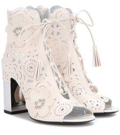ROGER VIVIER Embellished leather ankle boots. #rogervivier #shoes #boots
