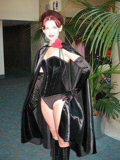 Character: Dark Queen 'aka' Phoenix Force- Jean Grey´s Clone, Manipuled By Sebastian Shaw & Mastermind. From: Uncanny X- Men Vol 134, Marvel Comic Series. Cosplay: Amanda Lynne Shafer 'aka' Phoenix Cosplay 'aka' Amandolin. San Diego Comic Con 2010. Photo: Chris C.