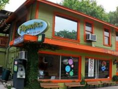 SUMMER 2013 FAV JAVA PLACE:  Flipnotics is a coffee house with indoor/outdoor seating, live music, and awesome chai tea.