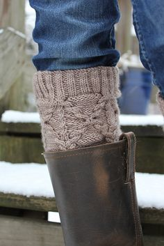 Ravelry: Vernors Legwarmers pattern by Thea Colman