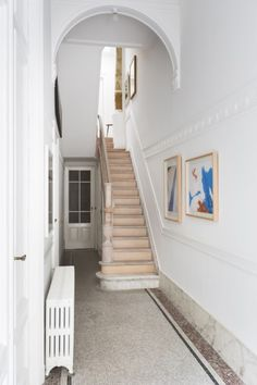 Victorian Terrace Hallway, Entry Stairs, Interior Architecture, Interior Design, Wooden Staircases, House Goals, Interior Inspiration, Ideal Home, Decoration