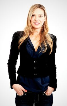 Anna Torv (Olivia Dunham) Fringe, tv series, natural beauty, portrait, photo