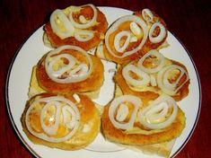 Kdo pamatuje na smaženky, ať zvedne ruku. Czech Recipes, Ethnic Recipes, No Salt Recipes, Hamburger, Sushi, Sandwiches, Brunch, Food And Drink, Eggs